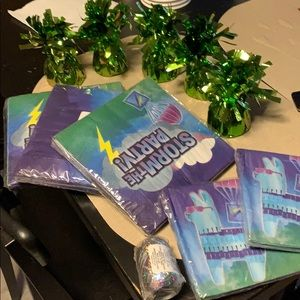 Fortnite party napkins, weight holders